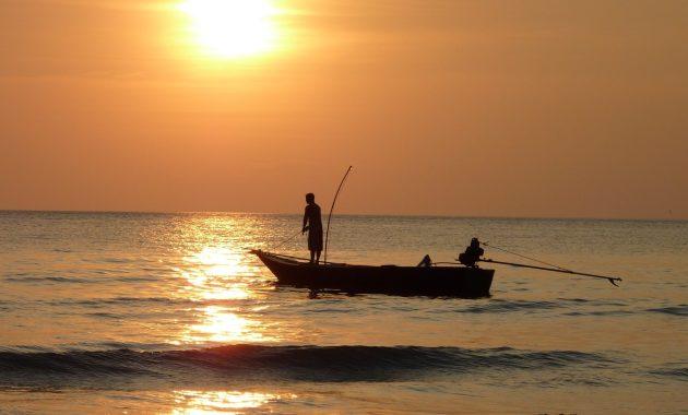 boat-fisherman-fishing-63642 (Large)
